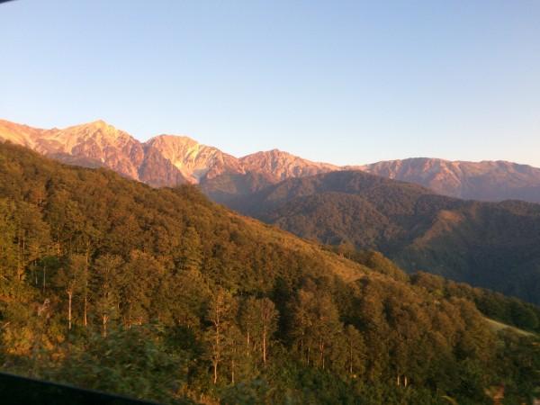 モルゲンロート(朝焼け)の白馬三山