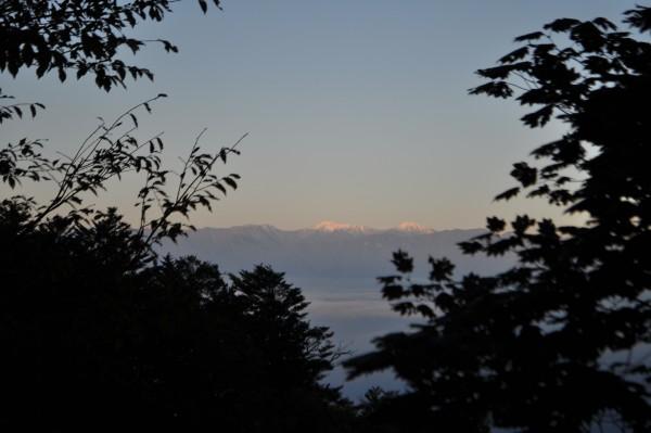 上日川峠駐車場から見た南アルプス